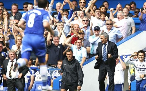 Mourinho celebrates in win over Hull City