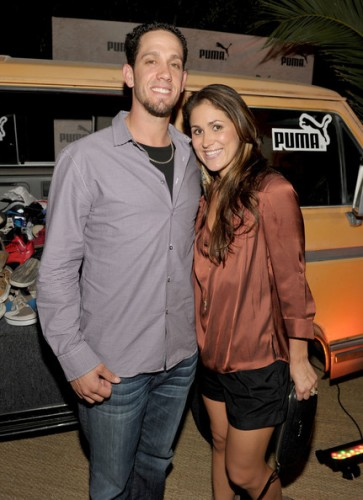 Continuing our tradition of spotlighting beautiful significant others of players, here is James Shields with his wife