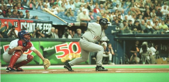 Tony Gwynn's 3000th hit, coming at Olympic Stadium in Montreal against the Expos, was just like so many of his others.