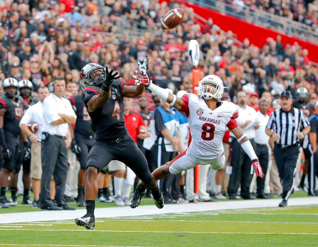 Rutgers WR Leonte Carroo is expected to play against North Carolina and should be one of the best on the field in the Quick Lane Bowl.